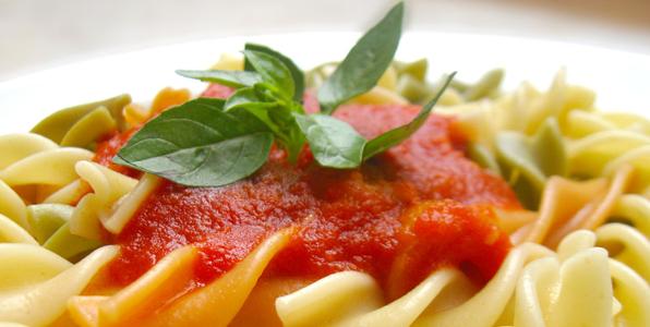 tangy tomato pasta sauce