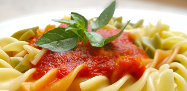 Tangy Tomato Pasta Sauce Saucepan Kids