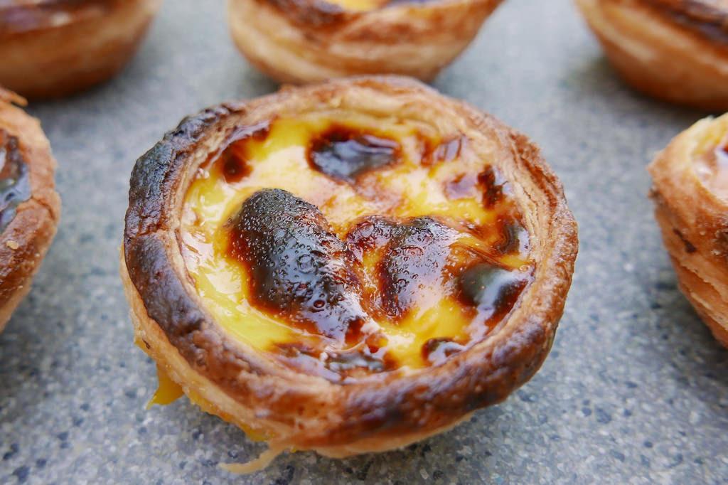 Pastel de nata - Portugese Egg Custard tarts - Saucepan Kids
