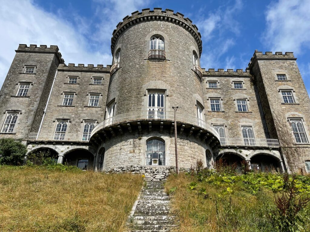 Saucepan Kids visit Boyne Valley - Top things to do with teenagers in the Boyne Valley - regal castle
