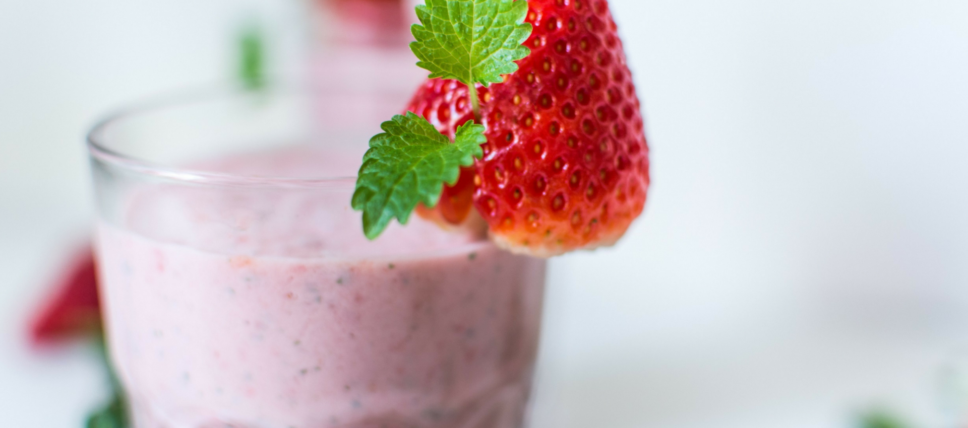 strawberry and banana thickie - healthy oats smoothie by Saucepan Kids
