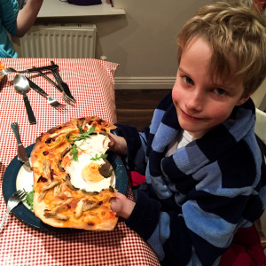 Saucepan Kids - Homemade Pizza - Bumbles of Rice linky