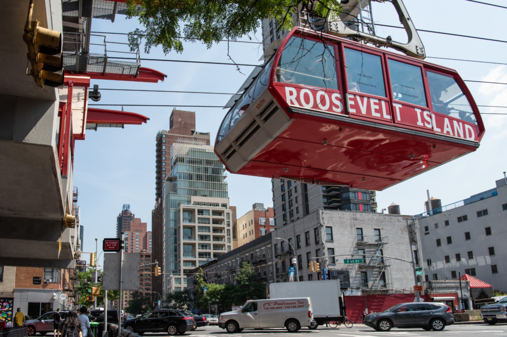 Top family friendly things to do in New York - Top things to do with kids in New York - Roosevelt Island Tramline