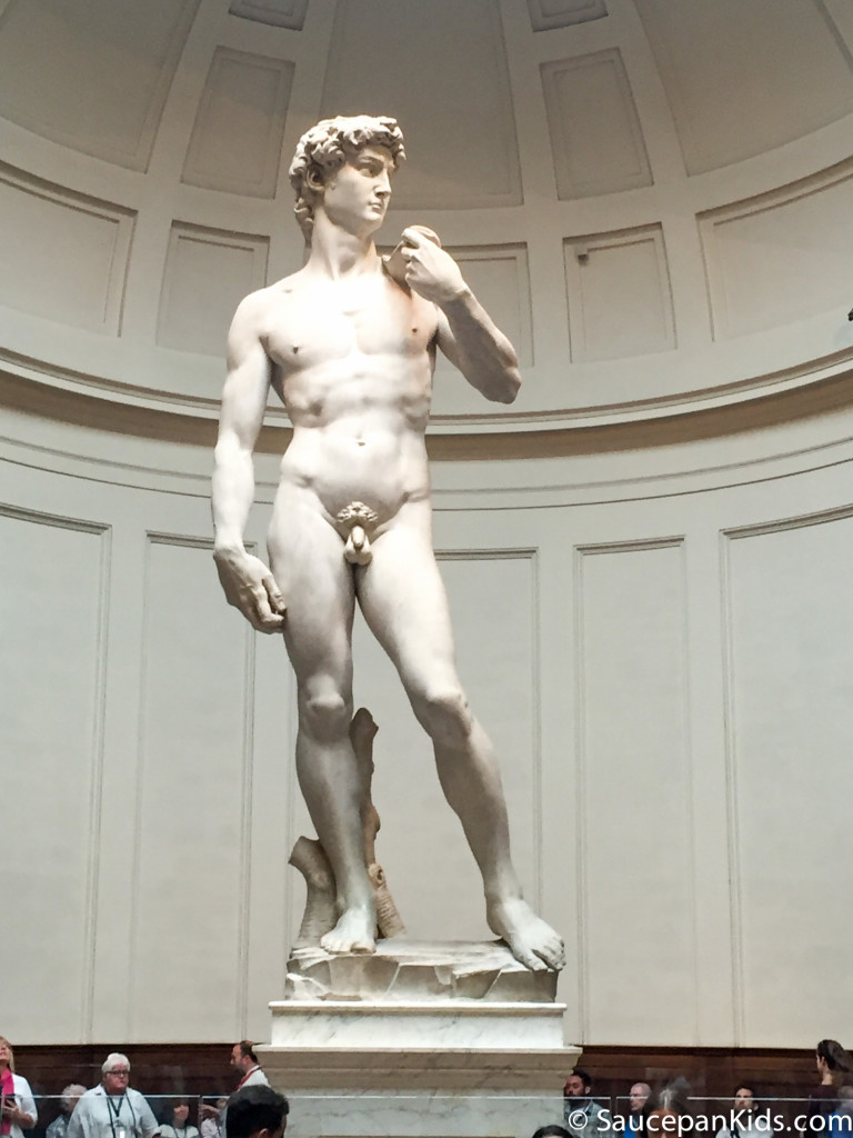 Saucepan Kids visit the Accademia and see Michelangelo's David