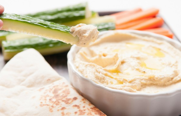 Saucepan Kids make homemade hummus for healthier lunchbox options #parentspanel