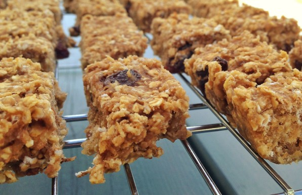 Saucepan Kids - making healthy nutty protein power bars