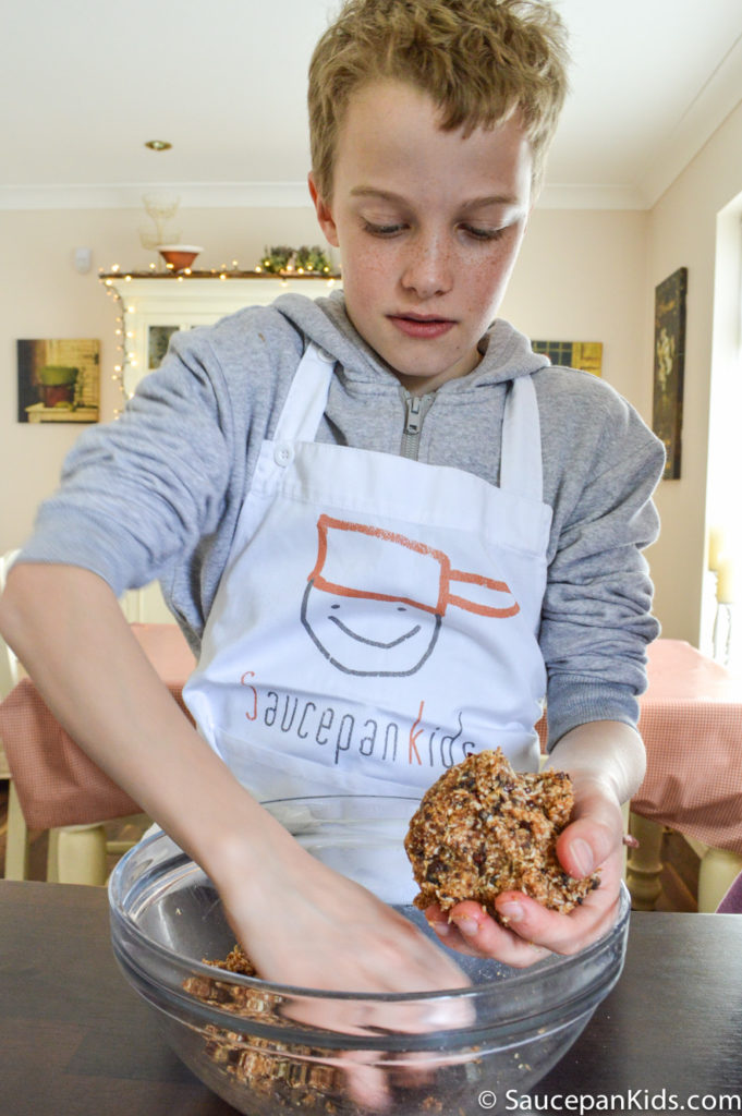 Saucepan Kids make almond energy bars from Nua Naturals website