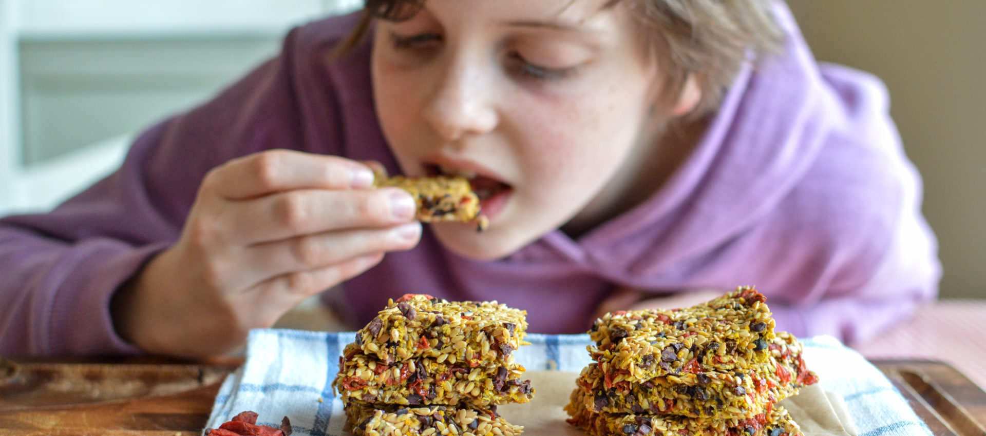 Saucepan Kids make linseed bars from Nua Naturals website