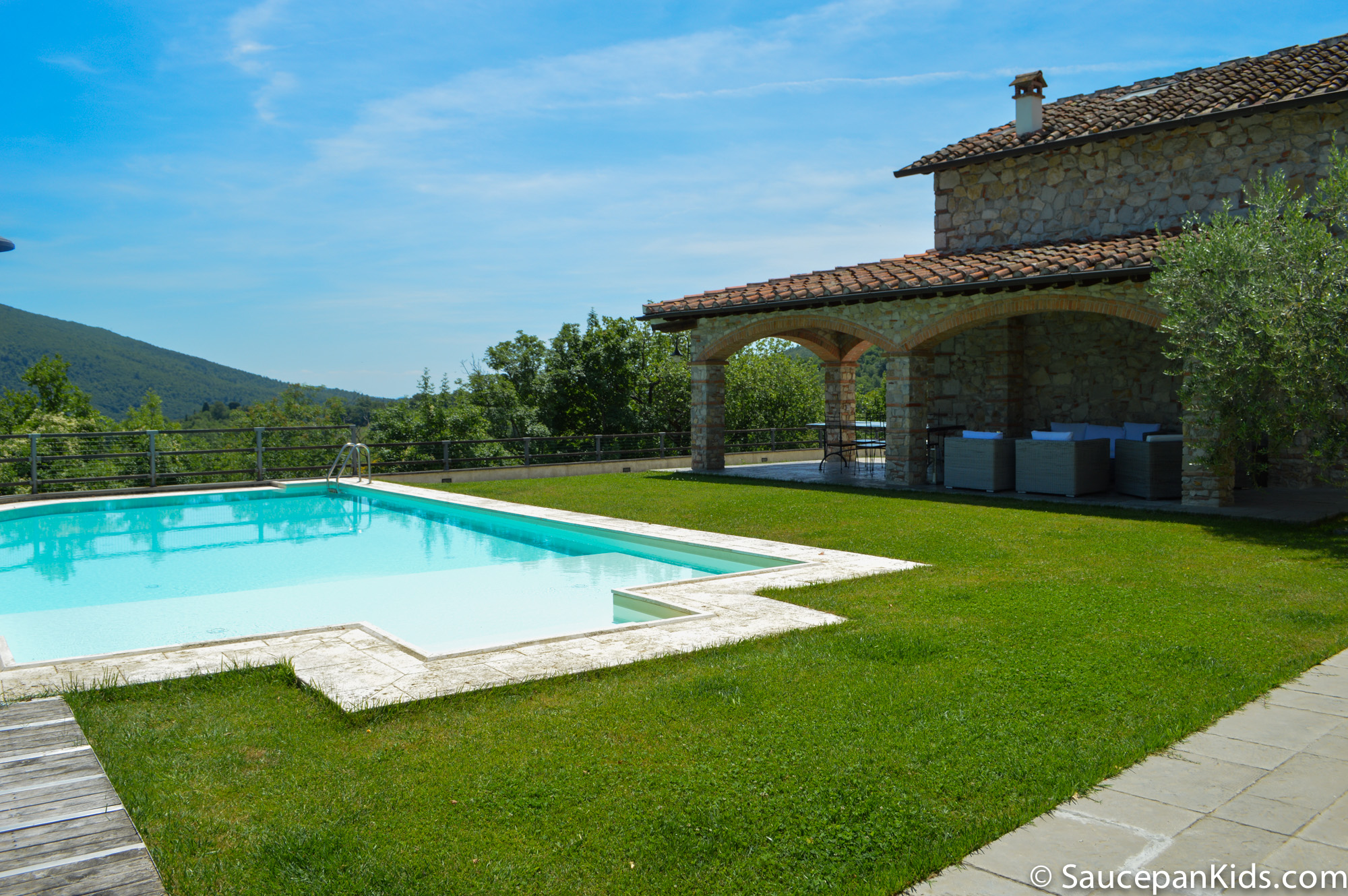 Saucepan Kids review Villa le Croci for Windows on Italy - Family Friendly places to stay in Tuscany