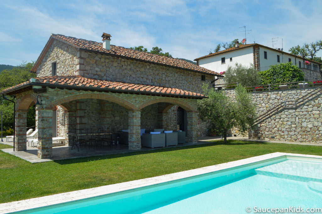 Saucepan Kids review Villa le Croci for Windows on Italy - Family Friendly places to stay in Tuscany - the villa and the pool