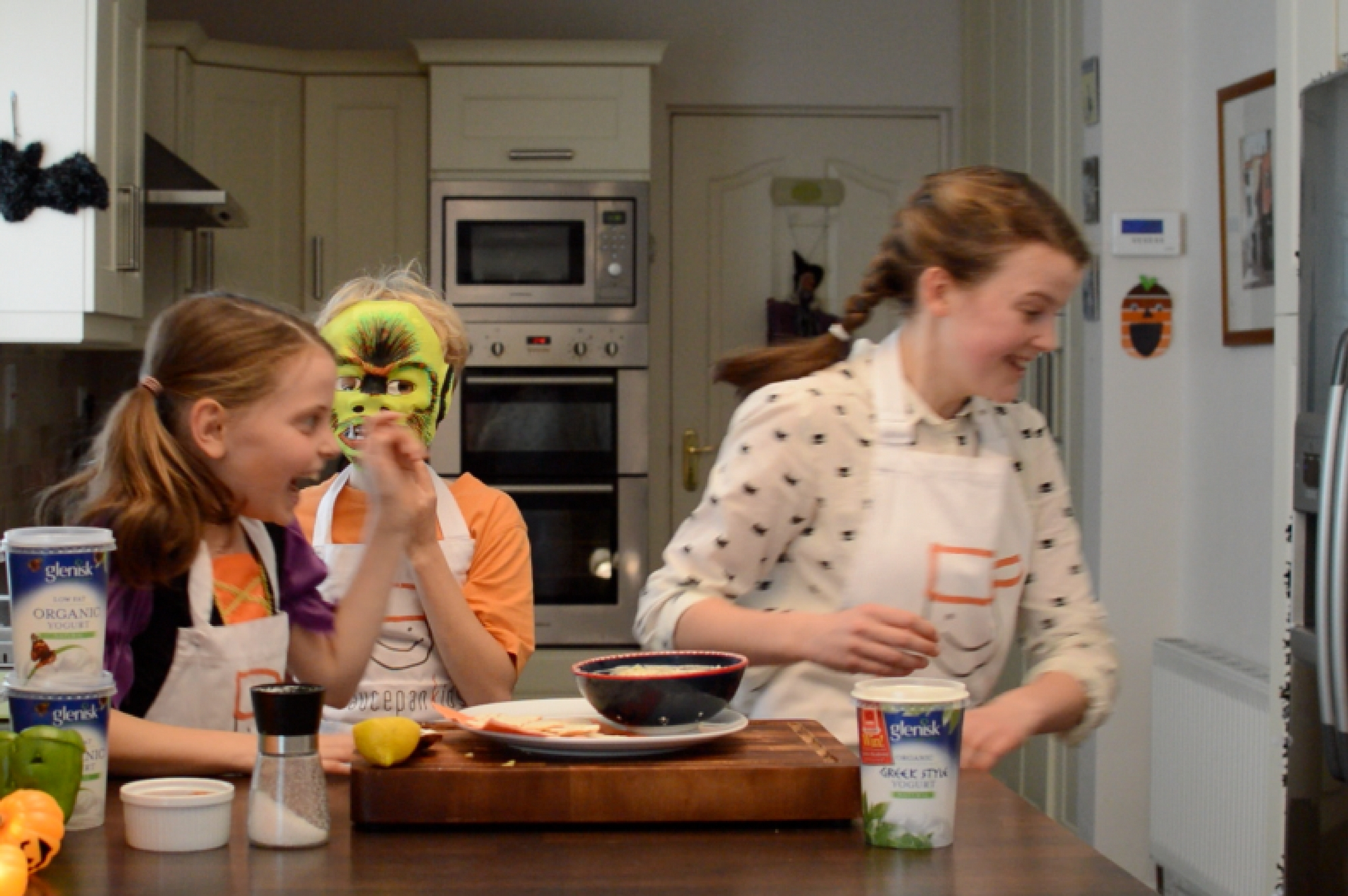 Saucepan Kids make ghoulish guacamole for Halloween with Glenisk Yogurt Ireland