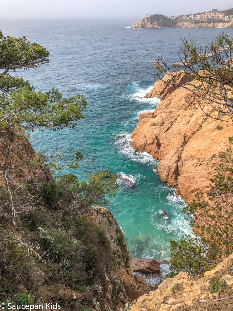 Family Friendly things to do in Costa Brava with Saucepan Kids - Catalonia - Spain - top things to do for kids in Spain - A family walk along the coastal paths in Costa Brava - Platja d'Aro coastal walk - hidden coves