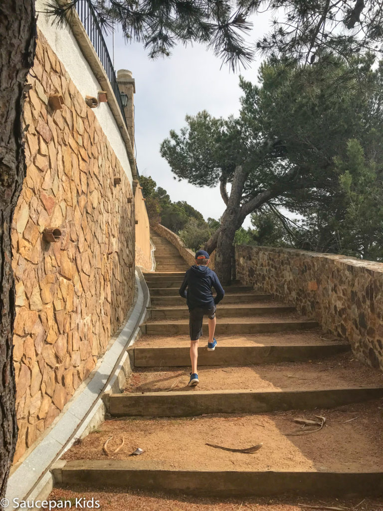 Family Friendly things to do in Costa Brava with Saucepan Kids - Catalonia - Spain - top things to do for kids in Spain - A family walk along the coastal paths in Costa Brava