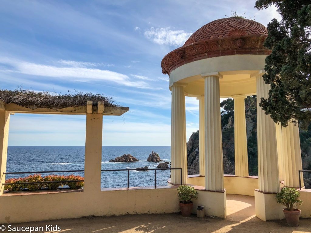 Family Friendly things to do in Costa Brava with Saucepan Kids - Catalonia - Spain - top things to do for kids in Spain - A family visit to Botanical Gardens in Blanes - the wedding shot spot