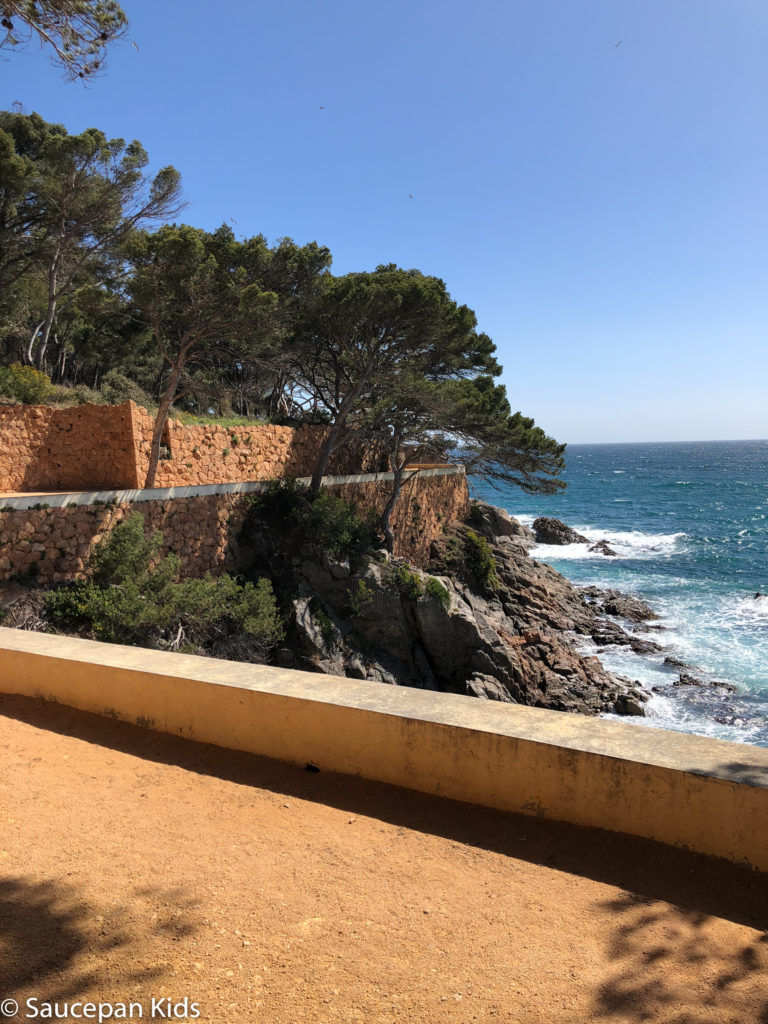 Family Friendly things to do in Costa Brava with Saucepan Kids - Catalonia - Spain - top things to do for kids in Spain - A family walk along the coastal paths in Costa Brava - Platja d'Aro coastal walk