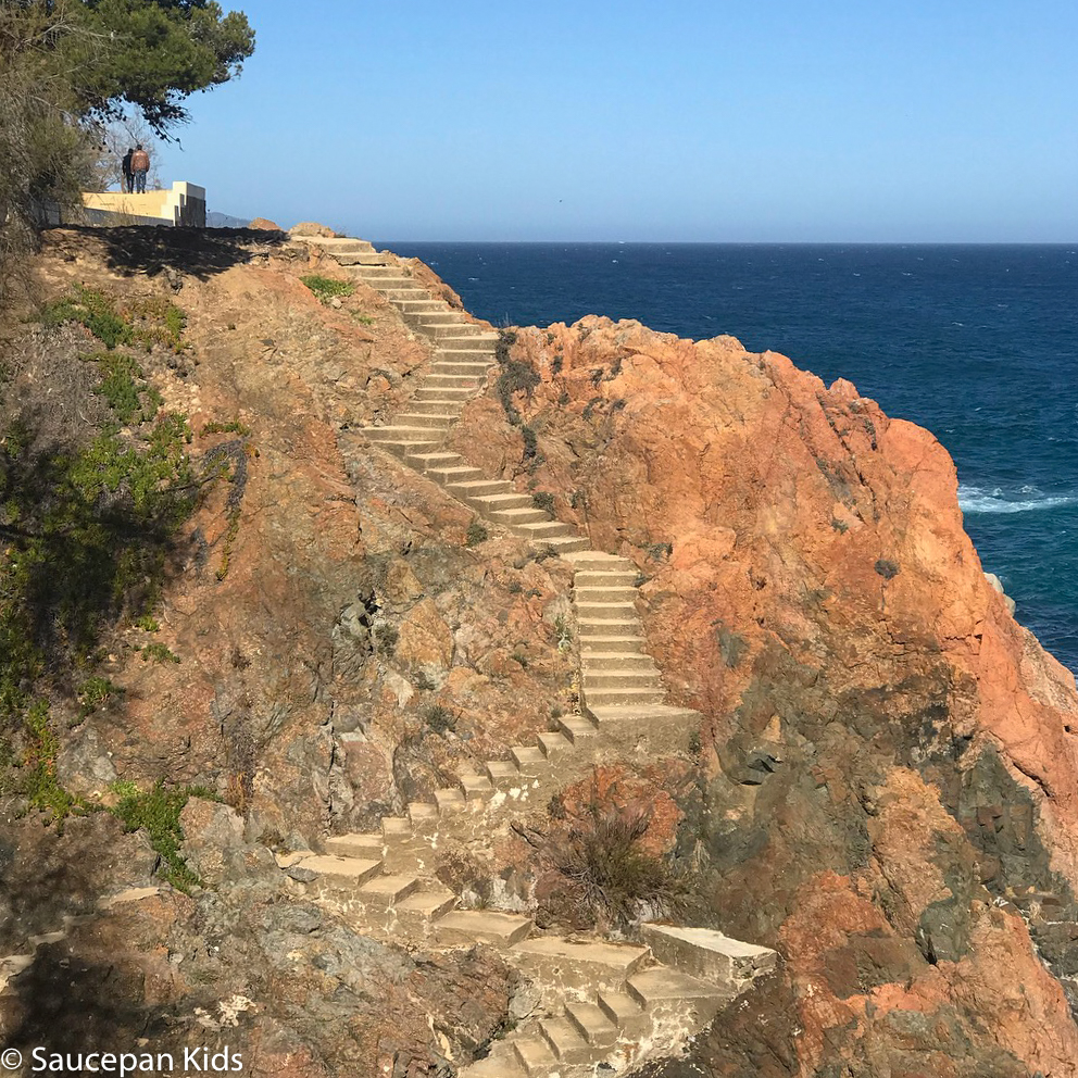 Family Friendly things to do in Costa Brava with Saucepan Kids - Catalonia - Spain - top things to do for kids in Spain - A family walk along the coastal paths in Costa Brava - Platja d'Aro