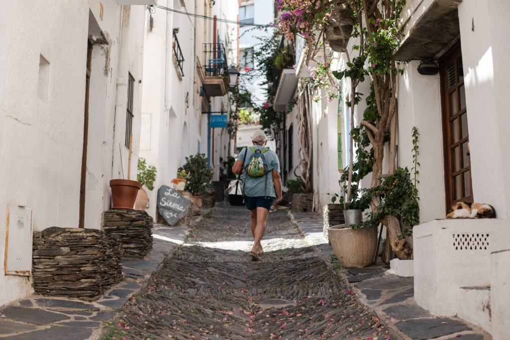 Saucepan Kids visit Costa Brava in Catalonia Spain - family friendly campsites in Spain - top things to do with kids in Catalonia - Cadaques - the white village cobbled streets