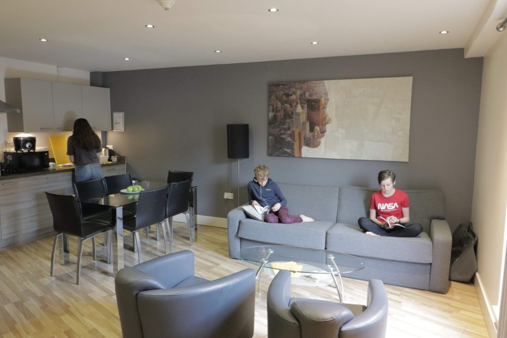 Saucepan Kids visit Staycity Aparthotels Edinburgh to review - family friendly self-catering accommodation in Edinburgh - Living room