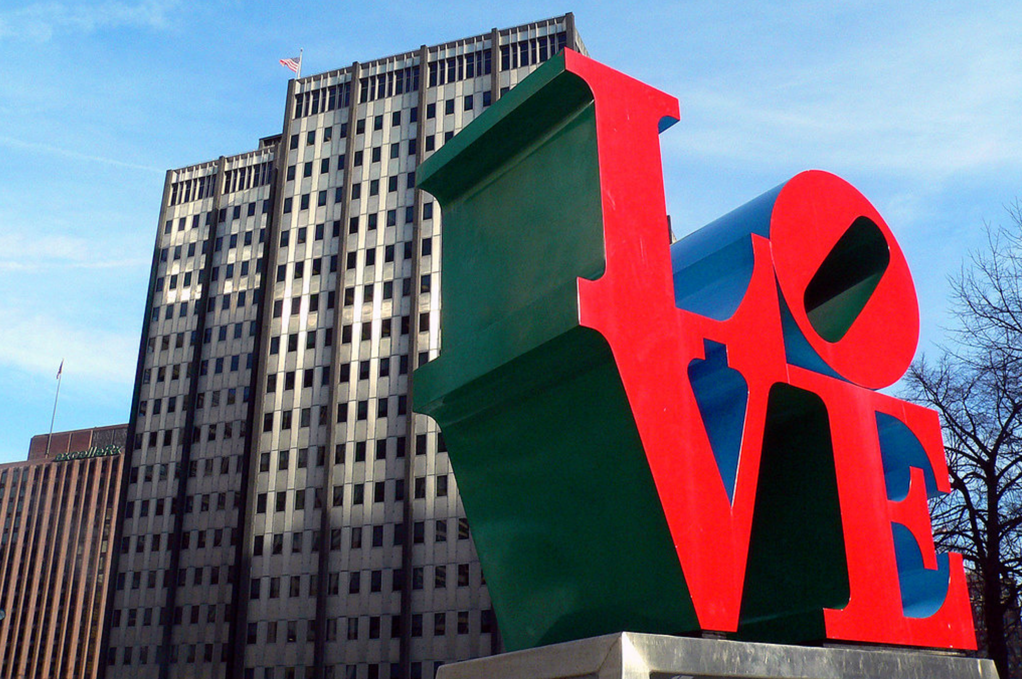 Top family friendly things to do in Philadelphia - Top things to do with kids in Philadelphia -The famous Love Statue