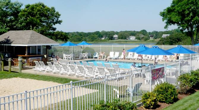 Top family friendly things to do in Cape Cod - Top things to do with kids in Cape Cod - Bayside resort hotel outside swimming pool