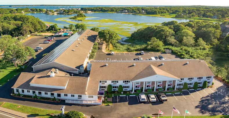 Top family friendly things to do in Cape Cod - Top things to do with kids in Cape Cod - Bayside resort hotel exterior