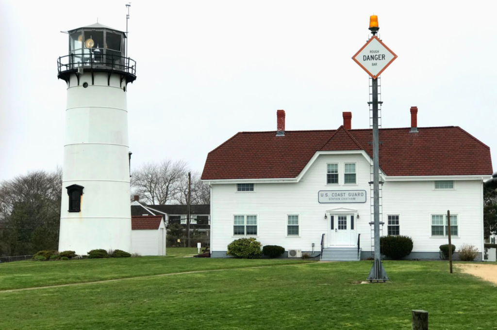 Top family friendly things to do in Cape Cod - Top things to do with kids in Cape Cod - Chatham Lighthouse